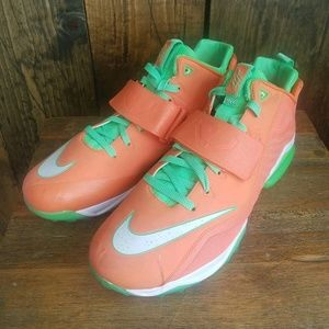 Nike Zoom CJ Trainer 2 Turf (Men's Size 13) shoes